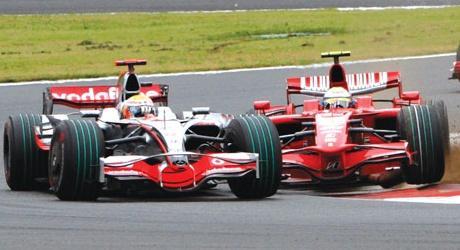 Hamilton about to be spun around by Massa at Fuji