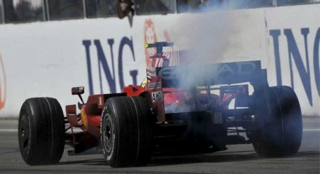 Massa's engine turns smoke at the Hungaroring
