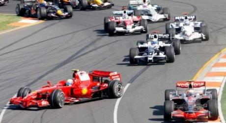 Massa spins at the first corner at Melbourne